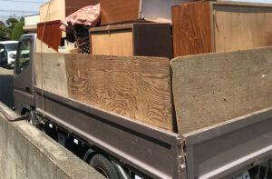 遺品整理・不用品の回収なら便利屋「湘南カンパニー湘南」作業実績の画像(タンス等重くて大きい家具の処理)